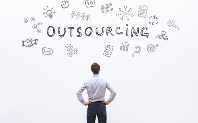 Outsourcing: Definition, Methoden, Vorgehensweisen, Beispiele